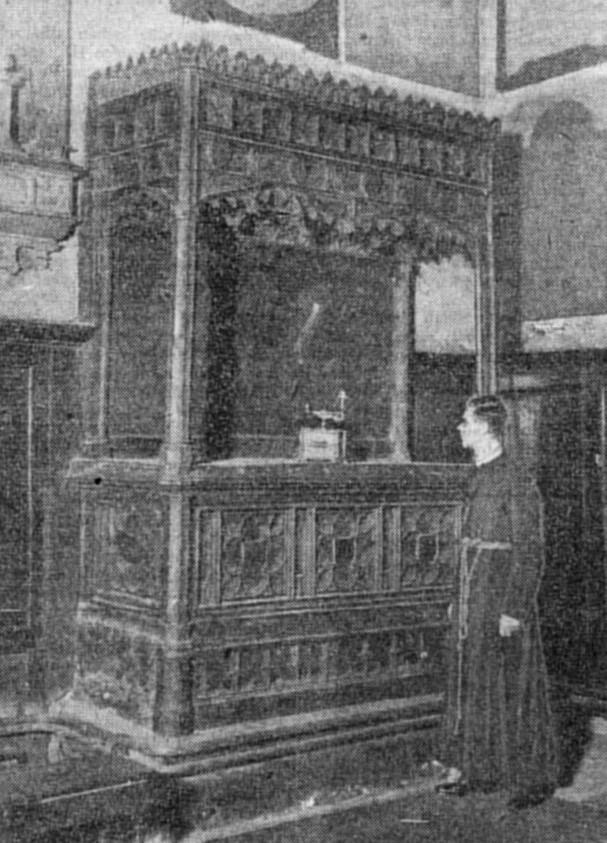 PoW Lamp on Crokes before casket